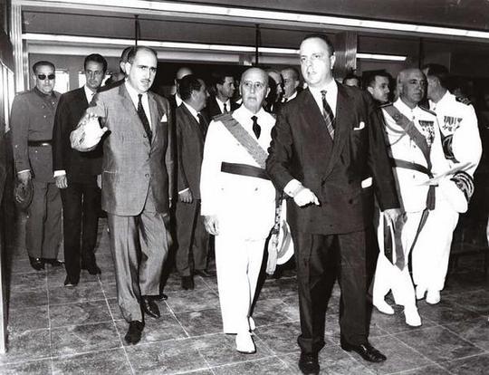 El dictador Franco y Fraga