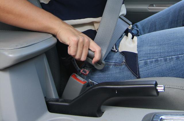 No llevar el cinturón de seguridad supondrá perder cuatro puntos