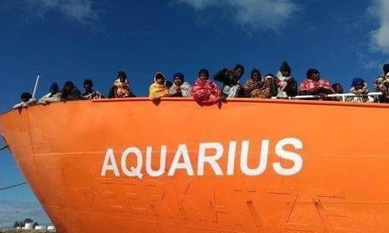 Resultado de imagen de barco refugiados