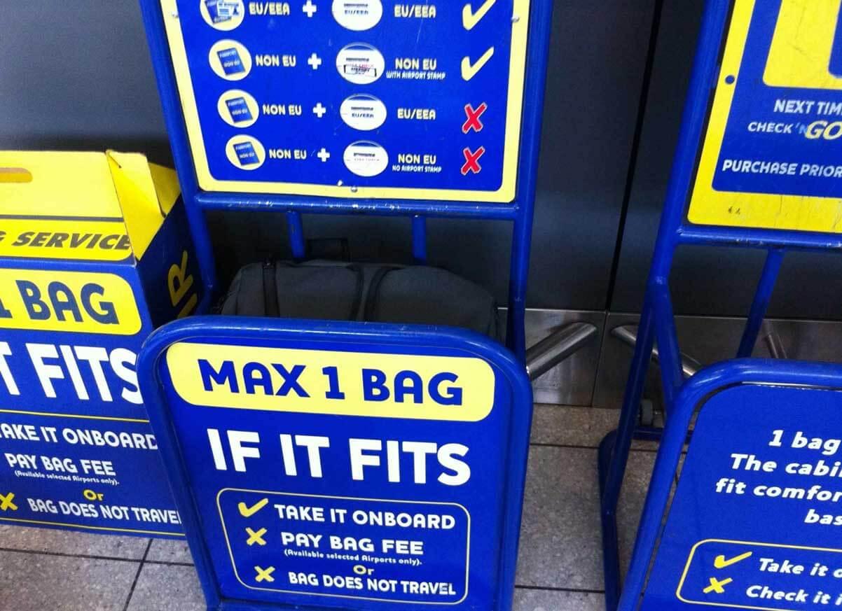 0f3f12deb Ryanair se enfrenta a un posible expediente por cobrar por el ...