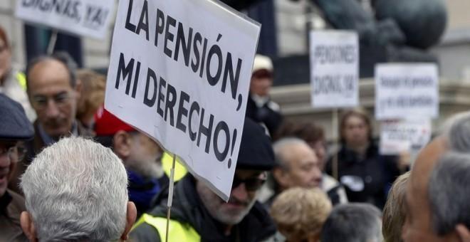 Manifestación de los sindicatos UGT y CCOO por unas pensiones dignas, foto: Agustín Millán.